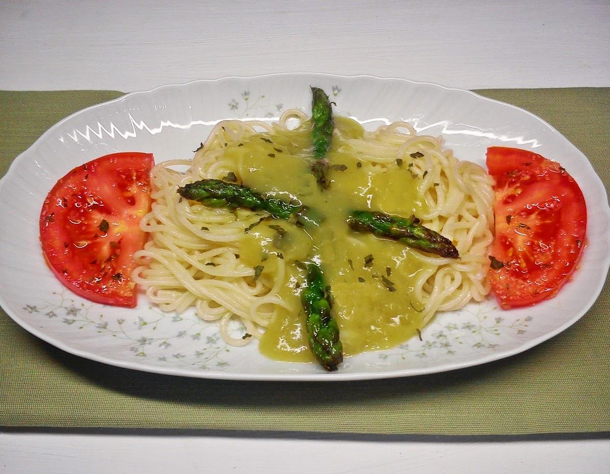 Espaguetis con Espárragos Trigueros.