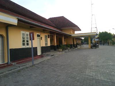 Cepu Station,