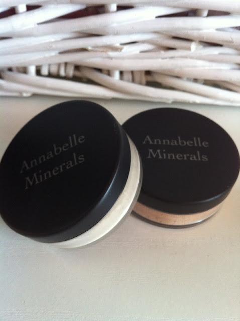 Annabelle Minerals - korektor vs podkład matujący