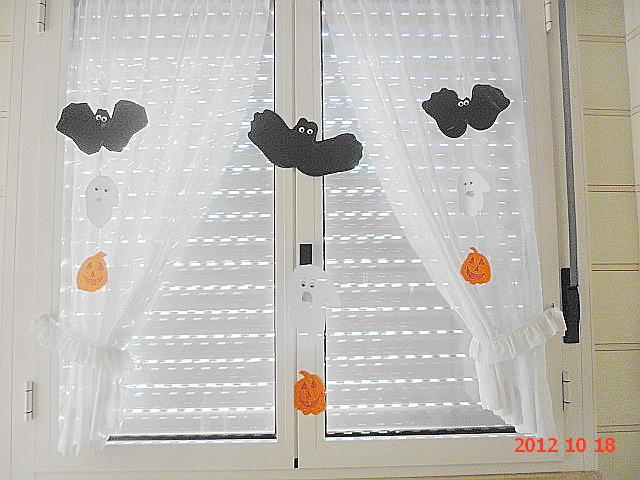 Bab n e altro festa di halloween fai da te le for Decorazioni halloween finestra