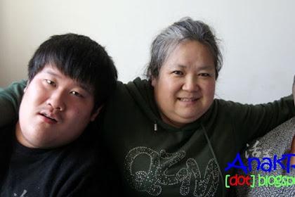 Perjuangan Seorang Ibu Merawat 2 Anaknya Penderita Autisme