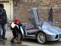 Demi Cucu, Petani di China Buat Replika Lamborghini