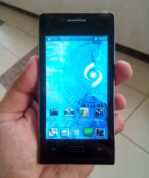 SKK Mobile Glimpse 3G Front