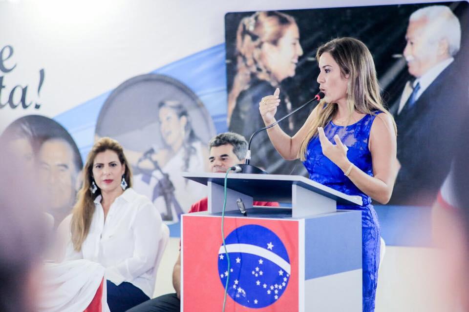 Vereadora Edylene manda 'indiretas' para alguém em Serrinha