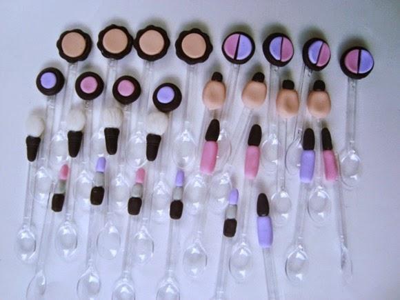 colherzinha de biscuit maquiagem