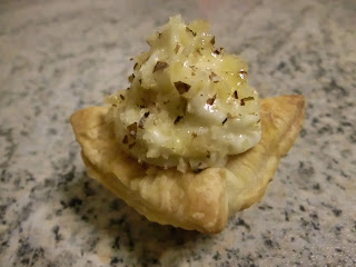 Honey, Brie, nuts and mascarpone tartlets