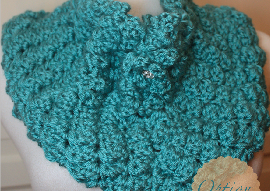 Crafted Spaces: Crochet Cowl With Two Strands Of Yarn