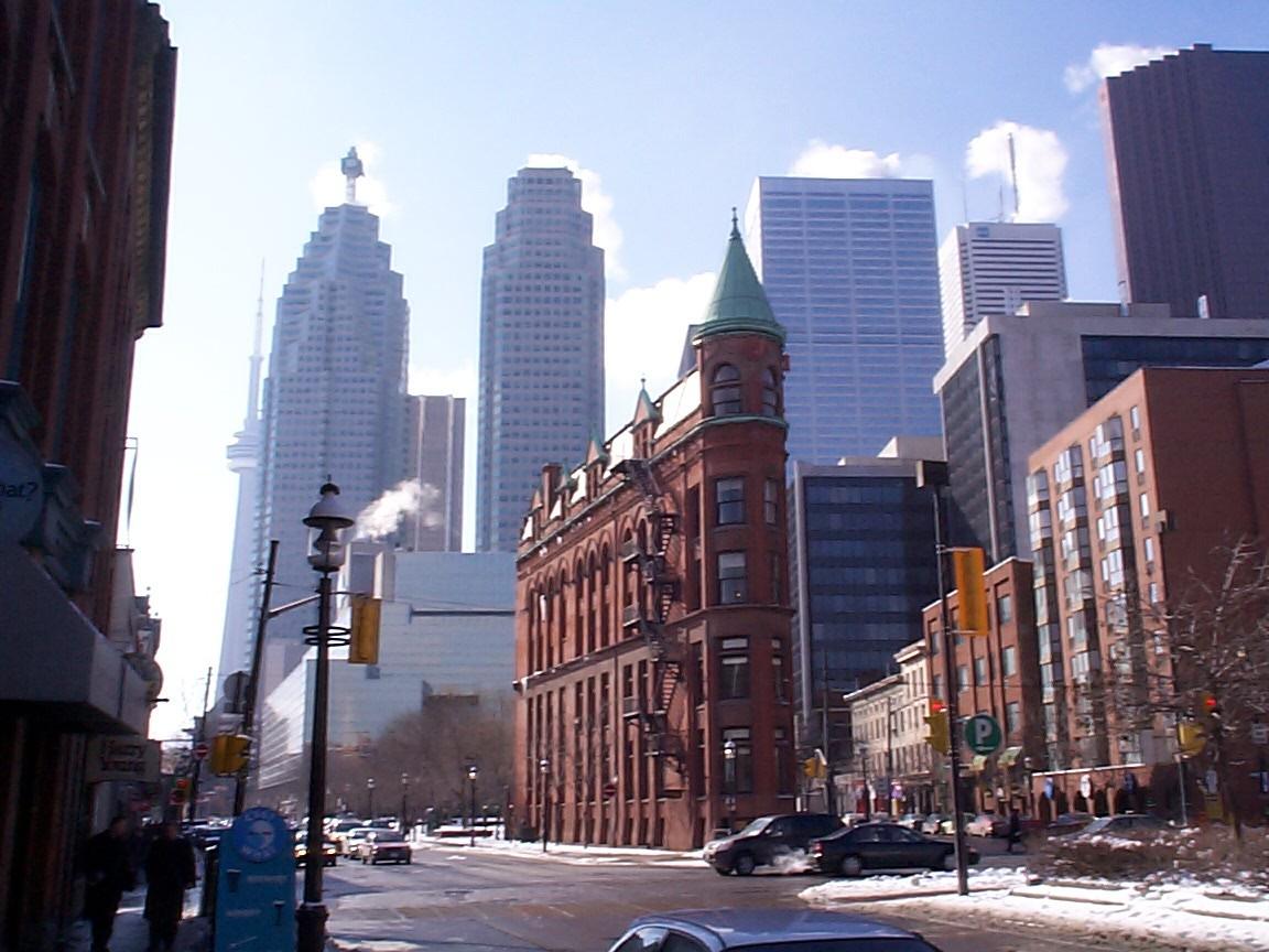 Kanada Toronto_old_new_buildings