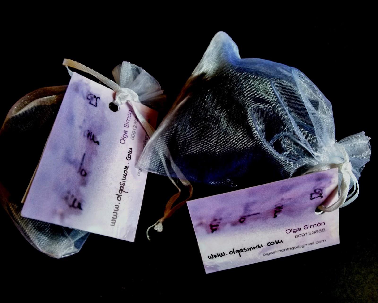 Boko Haram, Bring Back Our Girls, Secuestro, Niña nigerianas, Rapto, Grupo radical islamista, Arte, Solidaridad, Ong, Mujeres maltatradas,  Arte, Solidaridad, Dolor, Lágrimas, Olga Simon, Yvonne Brochard, Voa Gallery, Blog de arte, Arte contemporáneo, Tears,