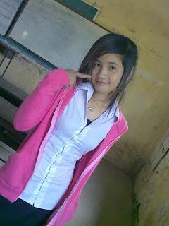 Youko Saki Lin Facebook Cute Girl Student Uniform Photo 3