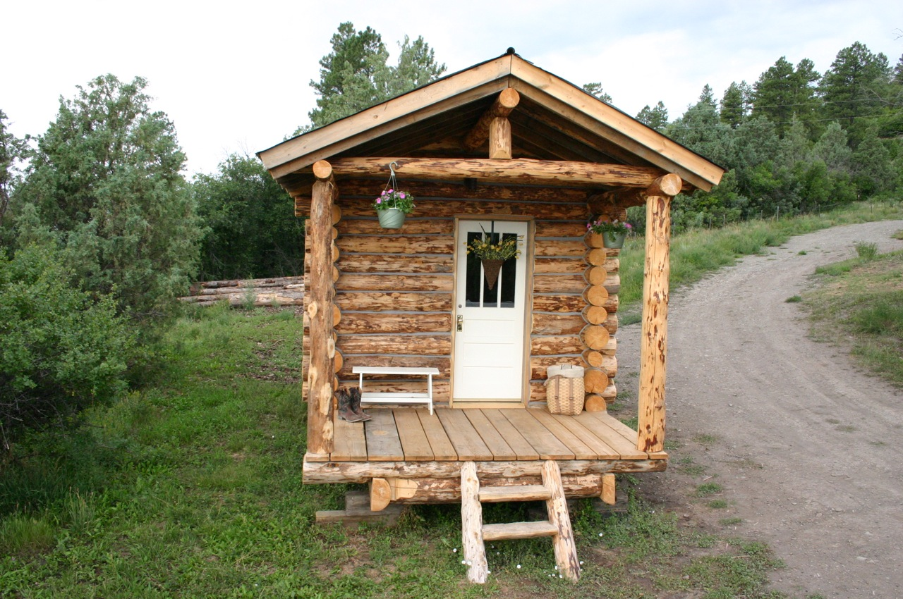 Ski house of the day the ski hut for One room log cabin designs