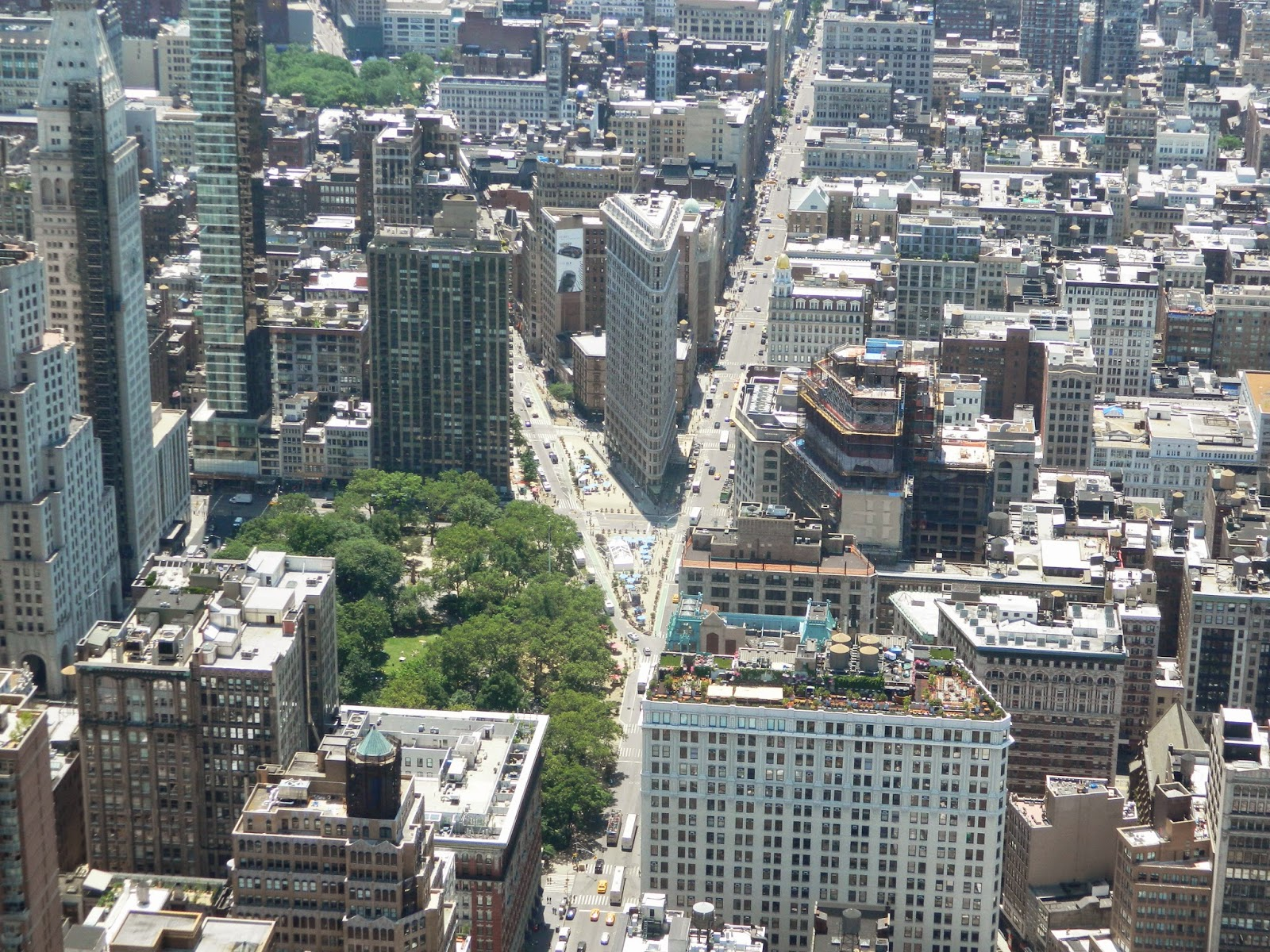 new york city empire state building flatiron building parting of roads skyline