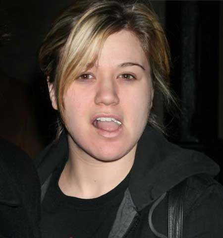 Kelly Clarkson Without Makeup: