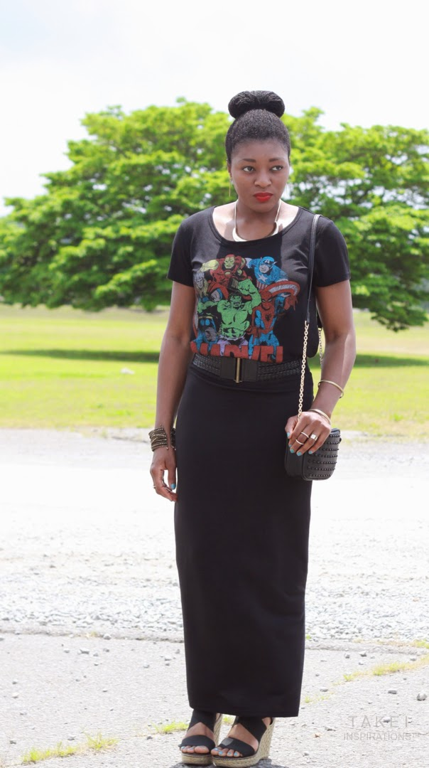 how to style a graphic tee and maxi skirt