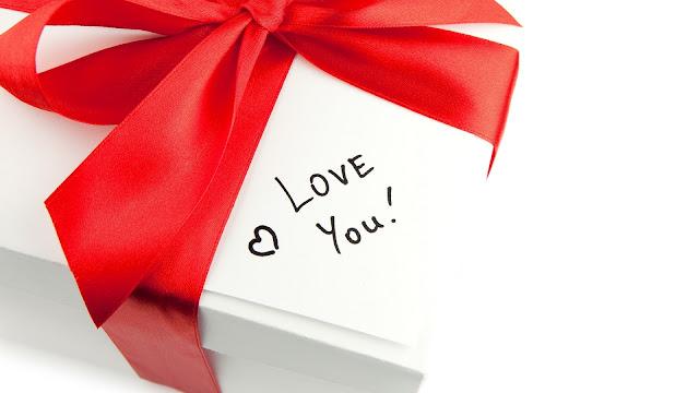 Cadeautje met tekst love you