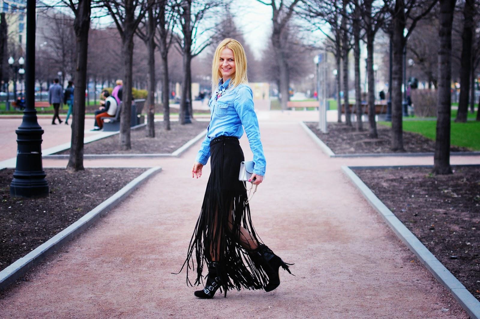 модные блоггеры весна 2015,мода весна 2015,с чем носить джинсовую рубашку,модные образ, юбка с бахромой, покупки сезона