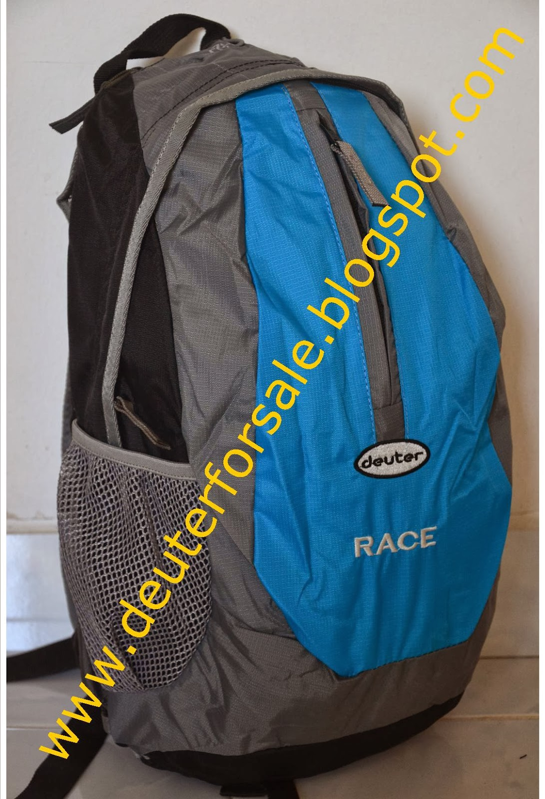 http://deuterforsale.blogspot.com/2009/06/daypack-deuter-race-black-available-2.html