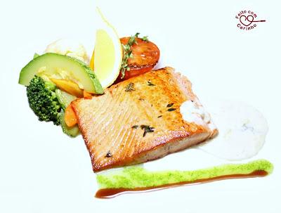 Pratos do Chef: Salmão ao Molho de Gorgonzola com Legumes