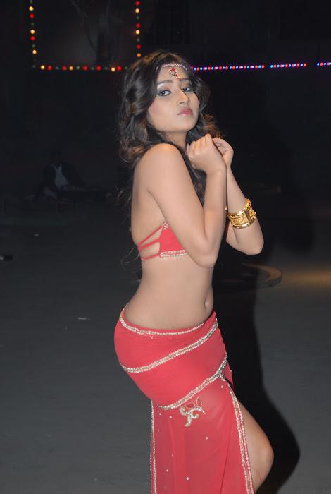 divyayani chakravarthi unseen pics