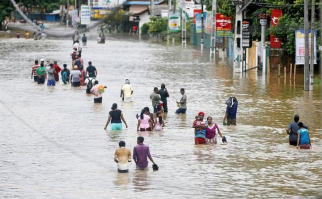 Over 200,000 people affected by torrential rains and flash floods in Sri Lanka with many dead...