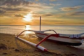 Tempat Wisata Pilihan Pantai Lovina Bali