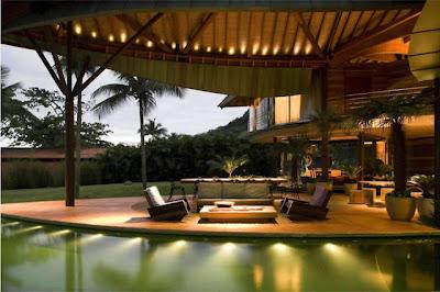 Desain Resort Unik Beratap Daun [ www.BlogApaAja.com ]