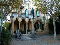 Porxo d'entrada a la Torre Montserrat