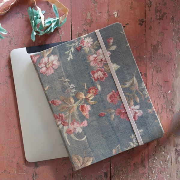 Pastel blonde shabby chic ipad case for Case arredate shabby chic