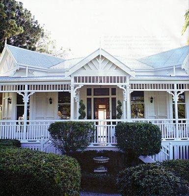 Restoring the old girl real estalking part ii for Queenslander home designs australia