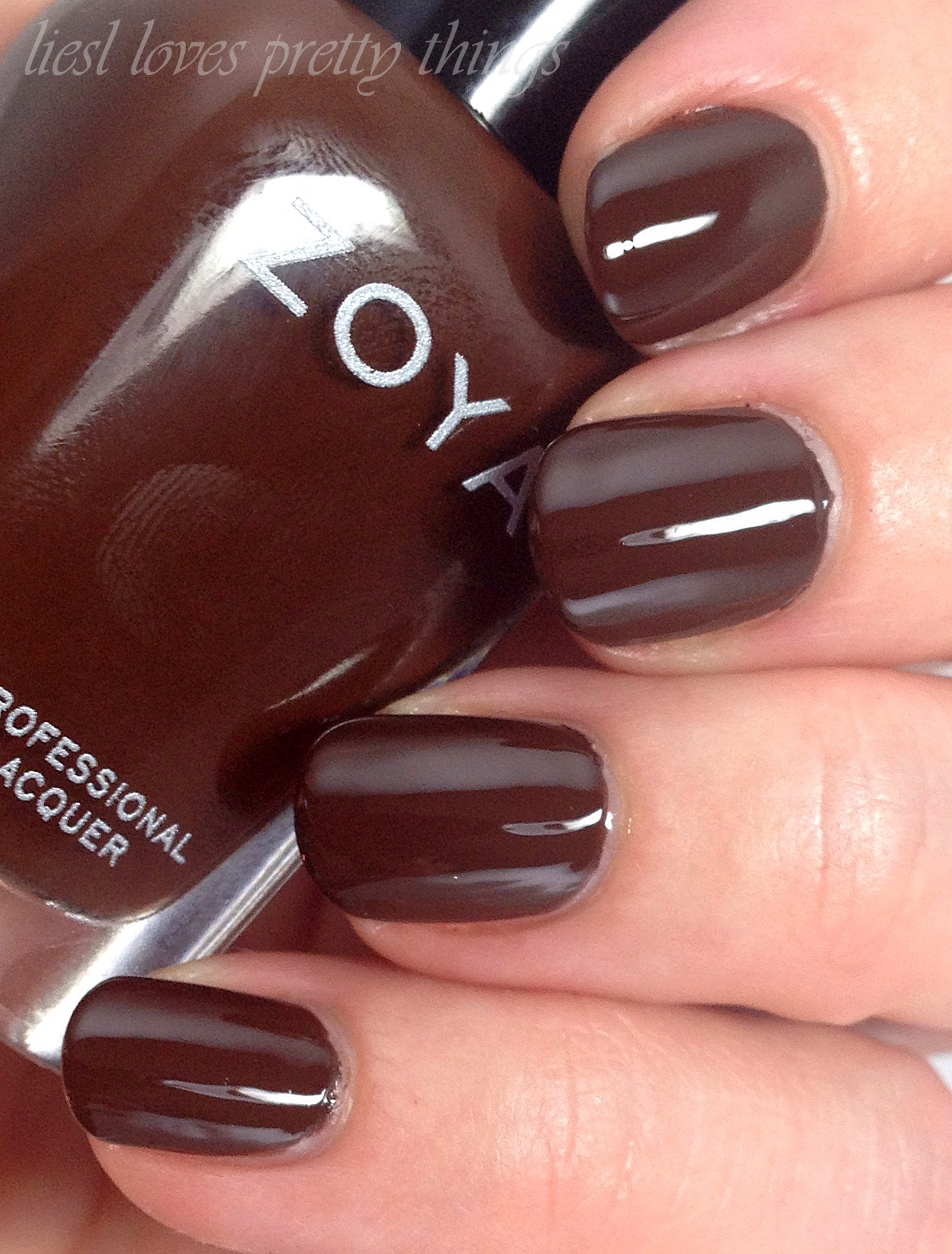 Zoya Louise swatch