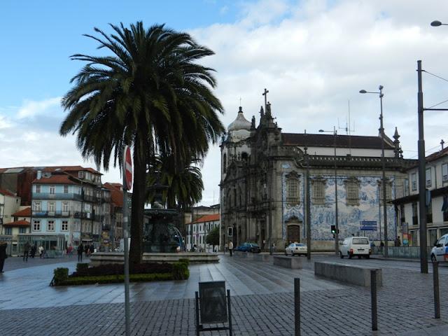 igreja dos carmelitas porto portugal