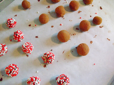 Making Chocolate Truffles, the perfect artisan gift for the holidays!