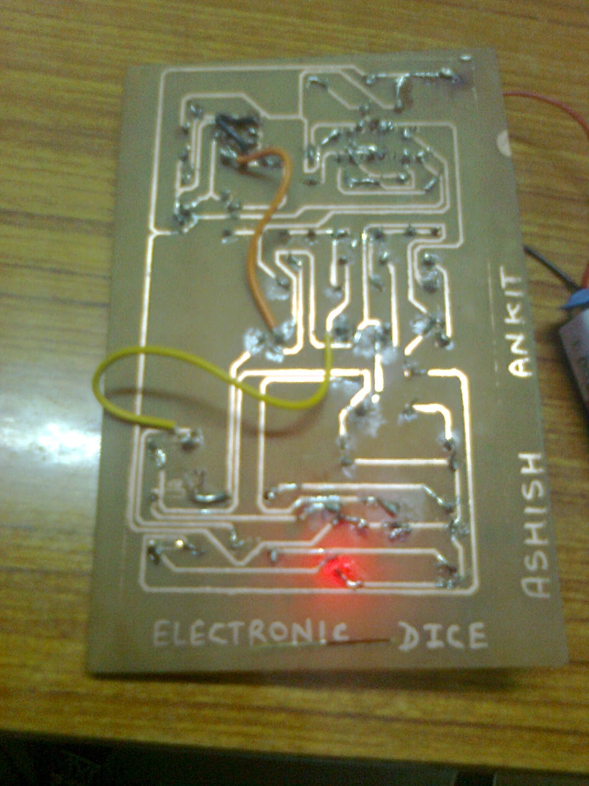 Projects For You Electronic Dice Circuit Using Ic Cd4017 Just Enjoy Your Project