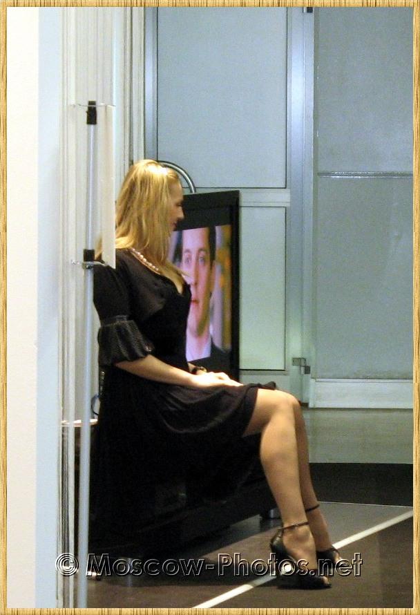 Long-haired blonde girl at Photoforum - 2008