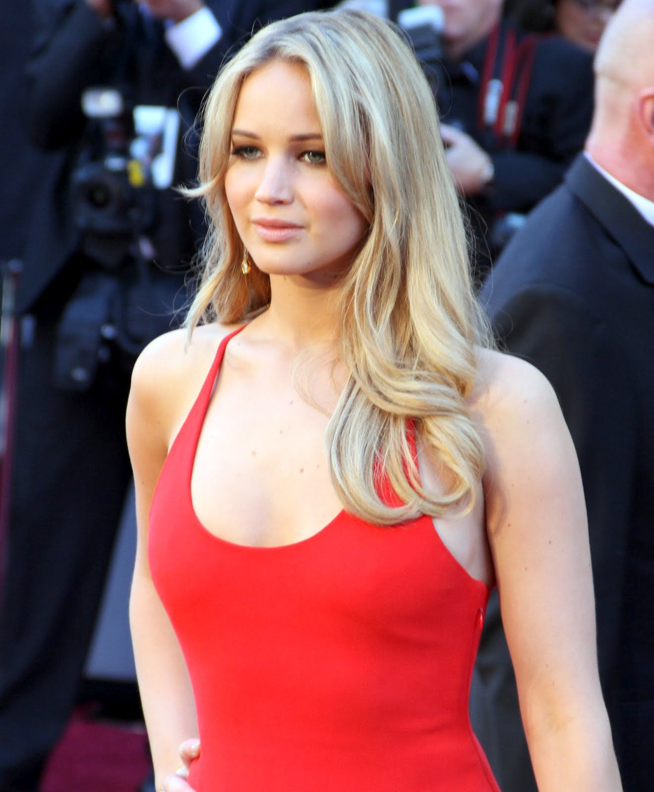 http://2.bp.blogspot.com/-9uH3J79LVO0/T-8BOPgEkBI/AAAAAAAAAFI/5FFWDgpuI5I/s1600/Jennifer_Lawrence_at_the_83rd_Academy_Awards_crop.jpg
