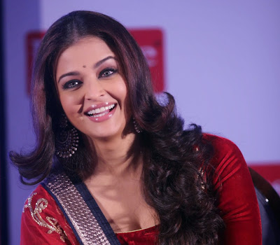 Queen of age Aishwarya Rai Bachchan Gorgeous in Red Traditional salwar suit
