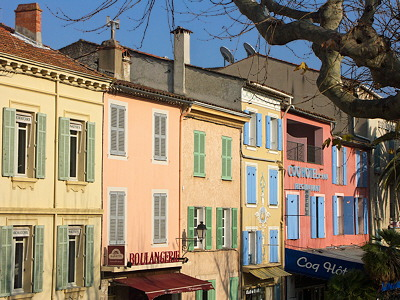 Image of colorful houses in Cogolin village
