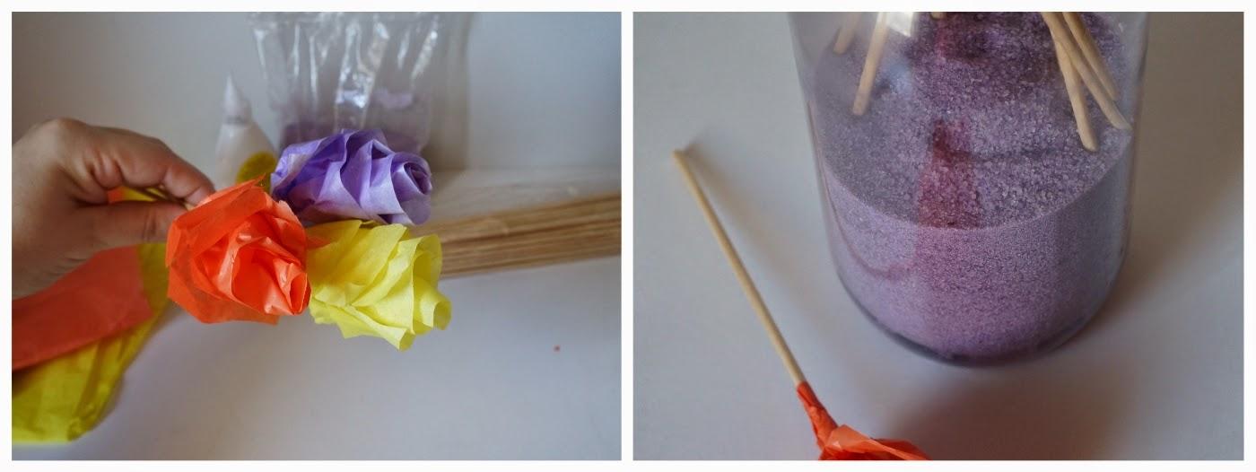 Flores de papel prontas para acomodar na moringa