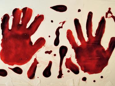 manos ensangrentadas para halloween