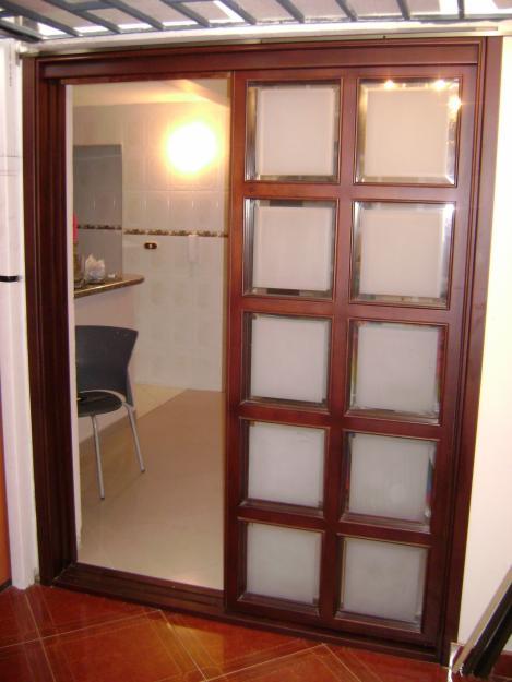 Servicios de carpinteria de metal y madera en tarapoto for Disenos de puertas en madera y vidrio