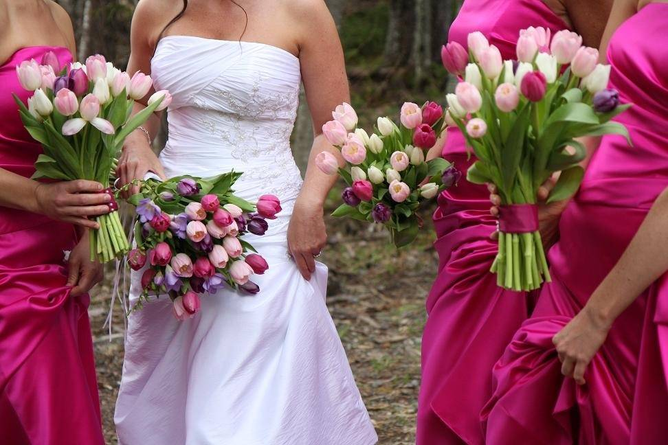 Make The Wedding Day Memorable With Classic Wedding Flowers And Bouquets