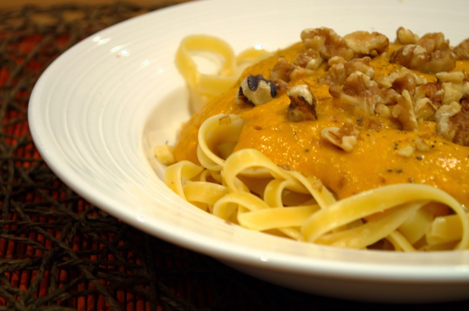 Roast pumpkin pasta sauce