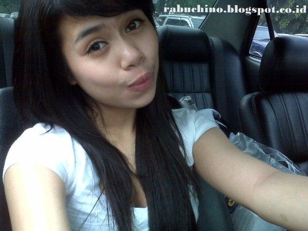 Cewek ABG Jakarta Cantik Bening Paha Mulus