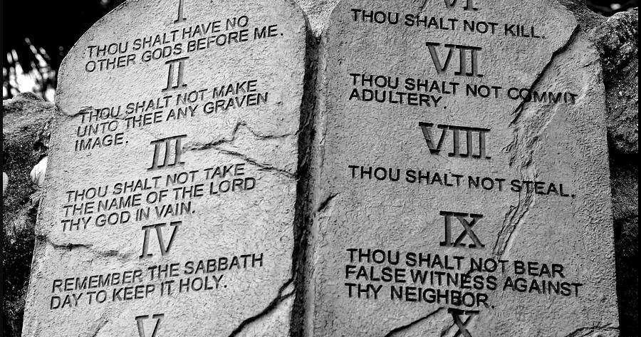 IDEAS UNLIMITED: THE TEN COMMANDMENTS - Puzzle - Exodus 20:3-6