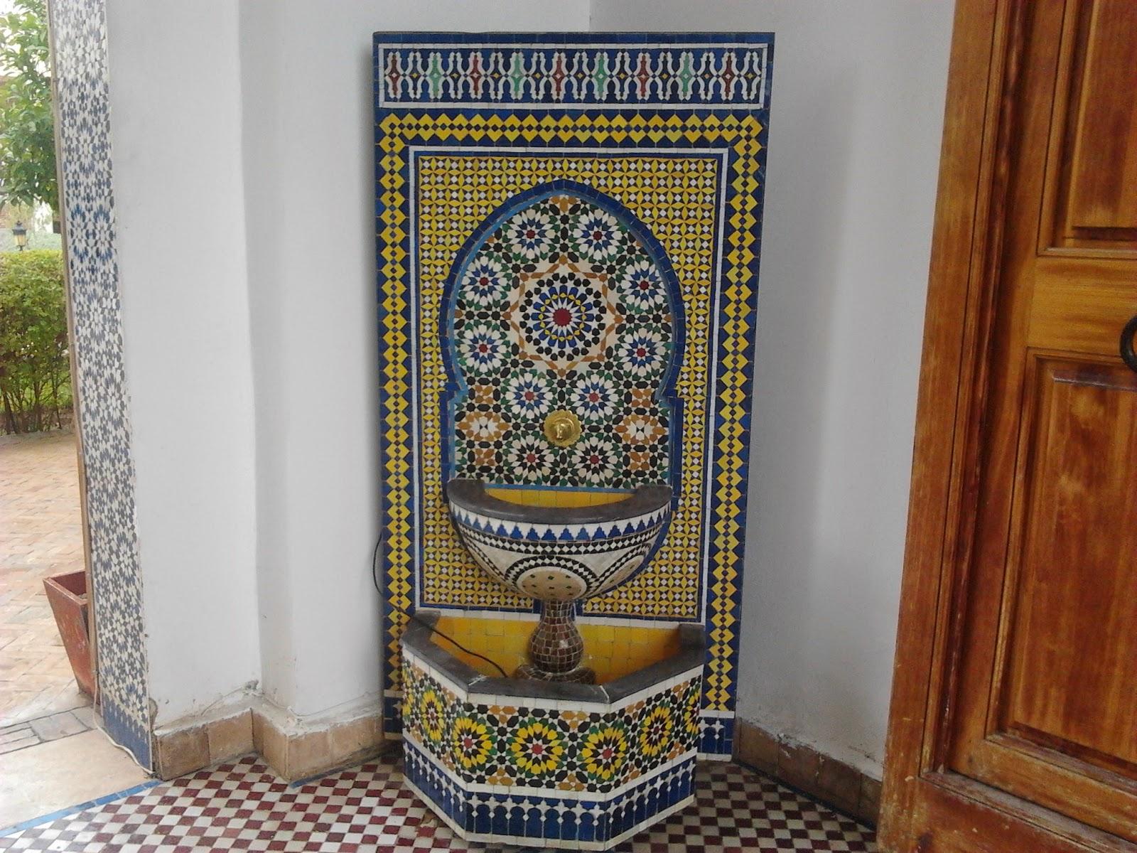 fontaine murale avec zellige de fes 1 20 80 750euro plane te artisanat. Black Bedroom Furniture Sets. Home Design Ideas