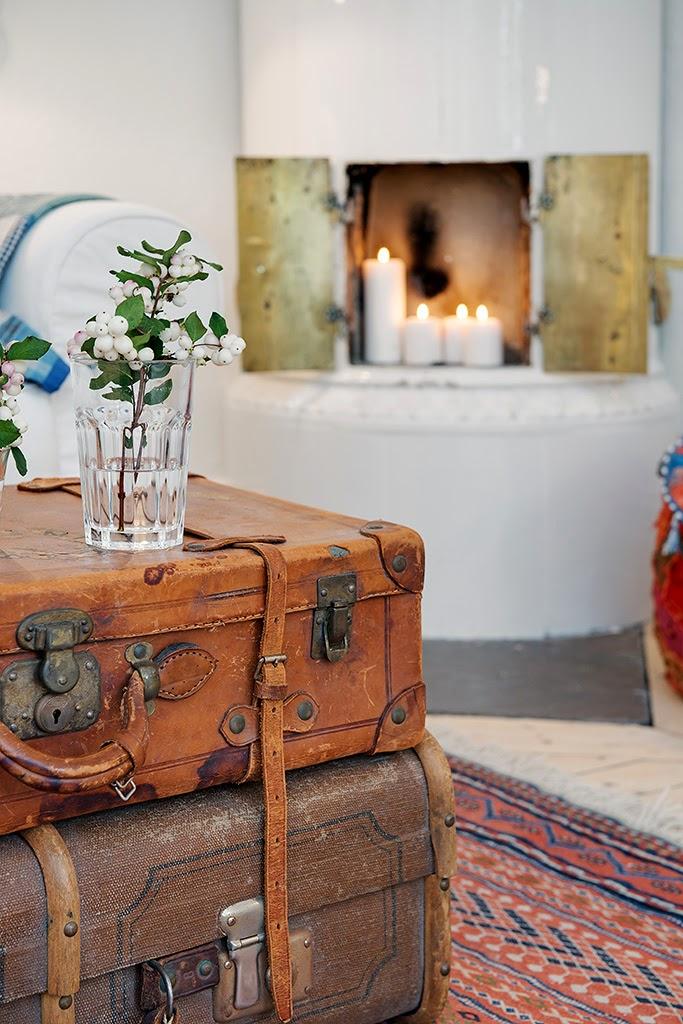 Decoraci n f cil decoracion nordica con pufs y maletas viejas - Decoracion nordica ...