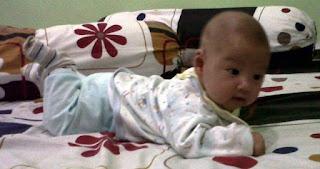 Bayi-Bayi Lucu Usia 3 Bulan