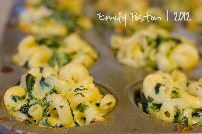 Domestic Creativity: Spinach Macaroni and Cheese Cupcakes