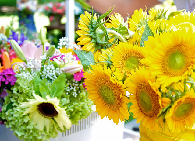 Fresh flowers. Michigan Farmers Market at the Capitol 2013. Tammy Sue Allen Photography.