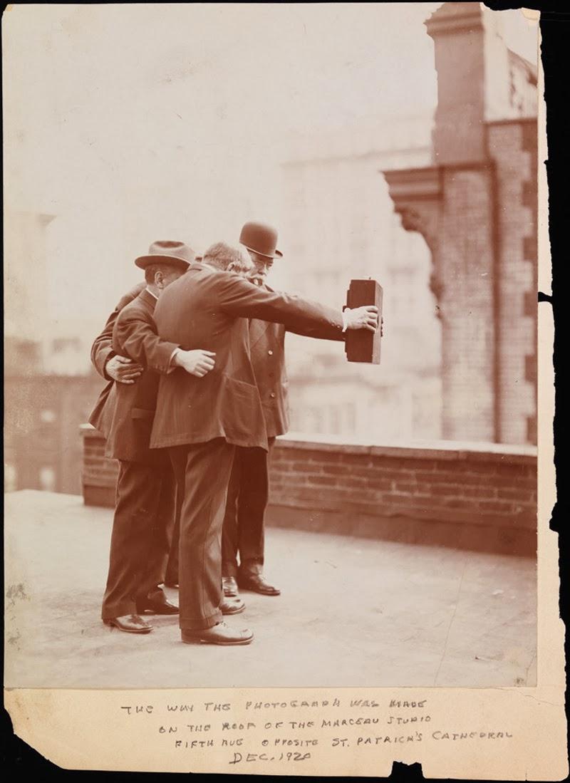 Gambar Selfie Pada Tahun 1920